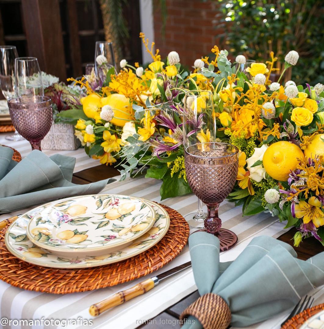 Mesa posta, tema limão siciliano