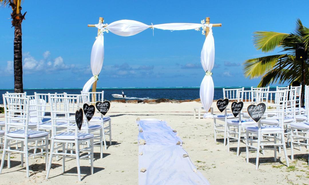 4 erros para NÃO cometer no seu casamento na praia